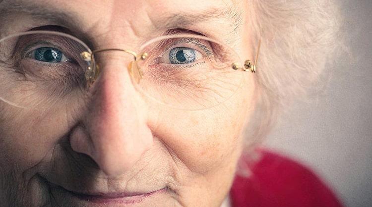 помощь при катаракте
